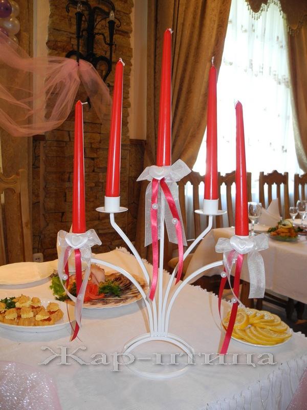 Металлический подсвечник на 5 свечей, высота 34 см. Прокат - 360 руб. Продажа - 700 руб. Декор в любой цветовой гамме включен в стоимость.  Свеча