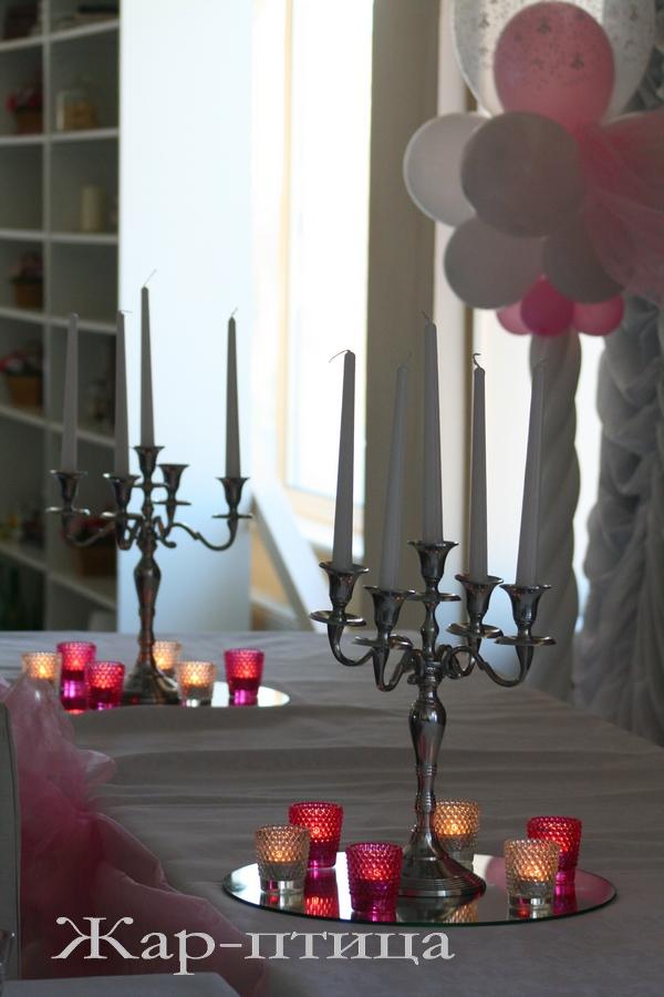 Подсвечник металлический на 5 свечей - 450 руб.  Подставка зеркальная - 100 руб.  Подсвечник для маленькой свечи - 20 руб. Все в прокат.