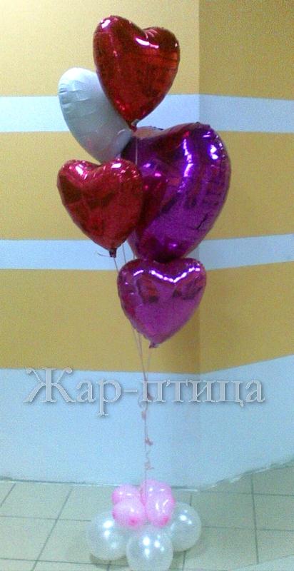 Фонтан из фольгированных сердец - 1440 руб.