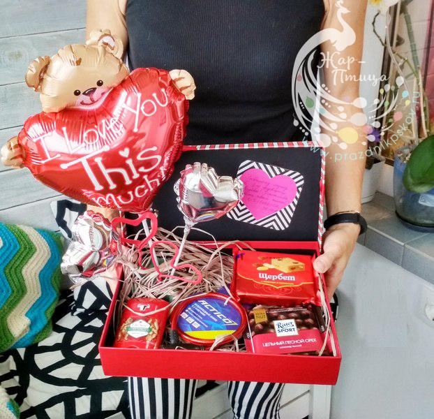 Свитбокс с подарками и сердечками - от 900 руб.