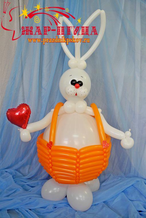 Кролик Маркус (высота ок. 130 см) - 1500 руб.