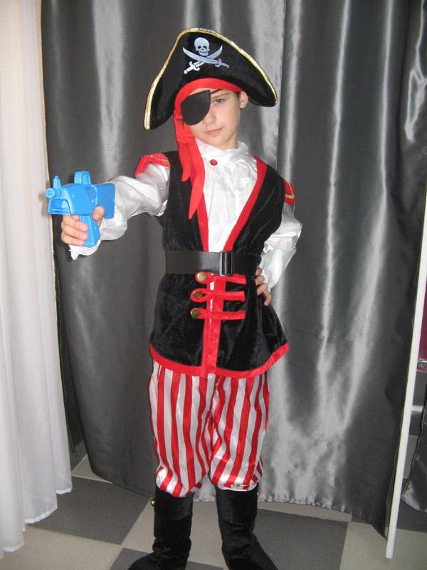 Пират сатиновый - 590 руб.